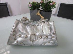 Silberne kleine metallic Schultertasche mit Schnalle