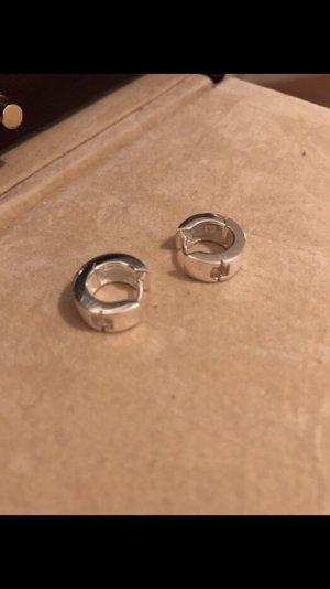 Silberne Kreolen mit rosa Stein