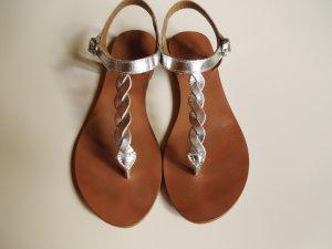 Silberne Metallic Sandalen von Hallhuber
