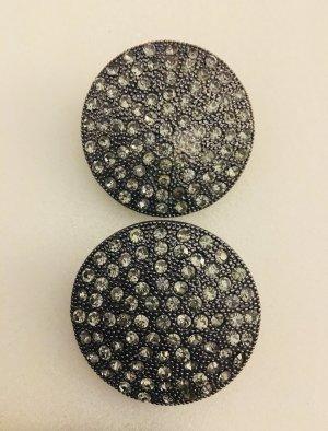 Silberne Ohrringe mit Schmucksteinen