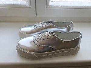 Silberne Pull & Bear Sneaker