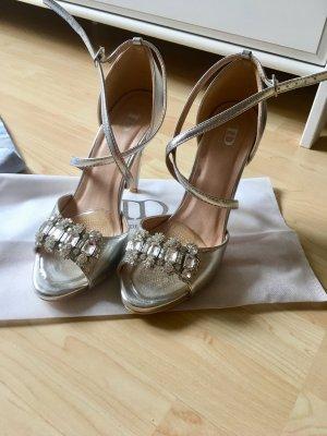 Silberne Sandalen, allerletzter Preis!