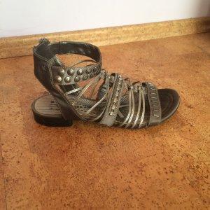 Silberne Sandalen in Größe 39