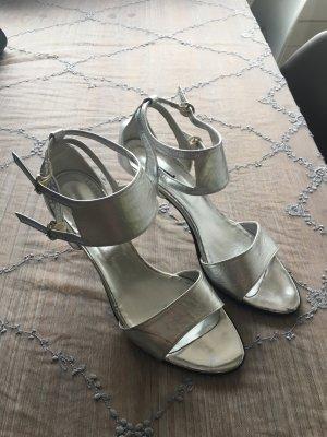 Silberne Sandalen mit Absatz in Gr. 39 Leder
