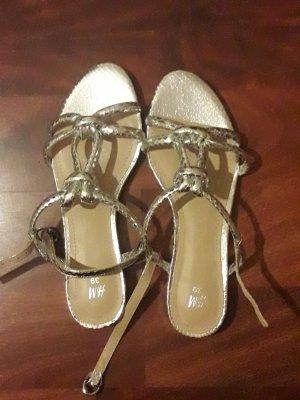 Silberne Sandalen neu