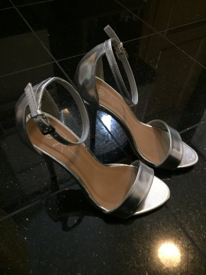 Silberne Sandalette von Primark (neu)