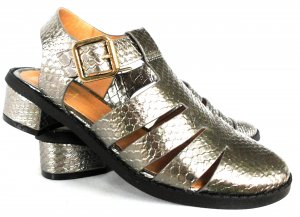 Silberne Sandaletten mit Blockabsatz