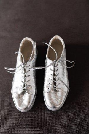 Silberne Schuhe von Asos