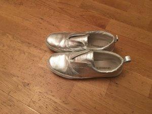 Silberne Slip-Ons von H&M
