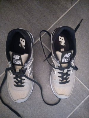 silberne Sneaker (37) - New Balance