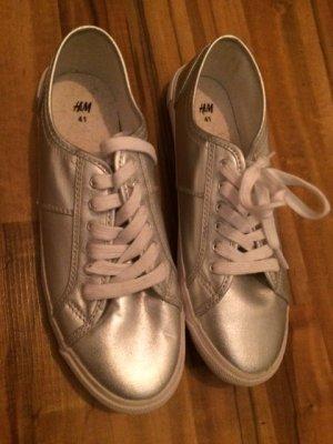 Silberne Sneaker in Größe 41