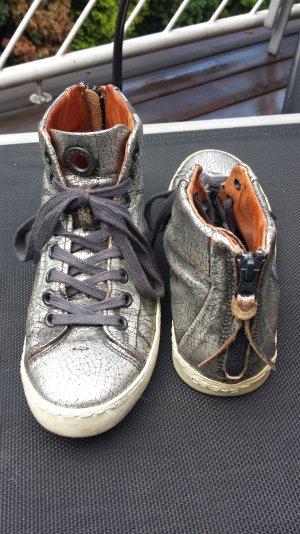 Silberne Sneaker von CA Shott