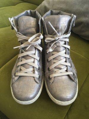 Silberne Sneakers high