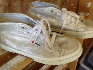 Silberne Superga Sneaker