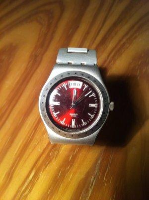 Silberne Swatch Irony mit rotem Ziffernblatt