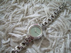 silberne Uhr von Fossil Big Tic Armbanduhr