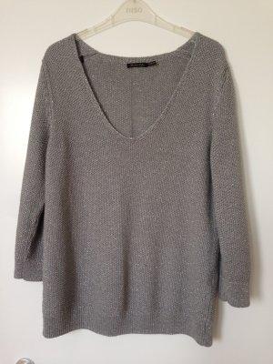 Silberner Pullover mit 3/4 Ärmel