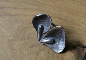 Silberner Ring in Form von Blütenblättern NEU von Massimo Dutti