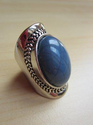 Silberner Ring mit blauem Stein