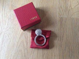 Silberner Ring mit Schmucksteinen