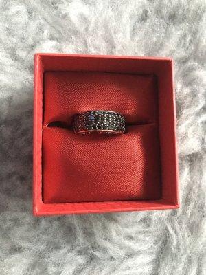 Silberner Ring mit schwarzen Swarovski-Steinen