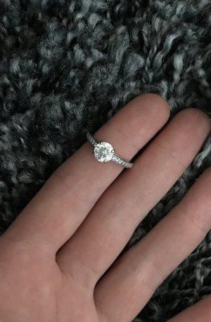 Silberner Swarovski Ring
