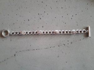 silbernes Armband mit Steinen