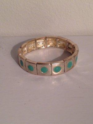 Silbernes Armband mit türkisfarbenen Punkten