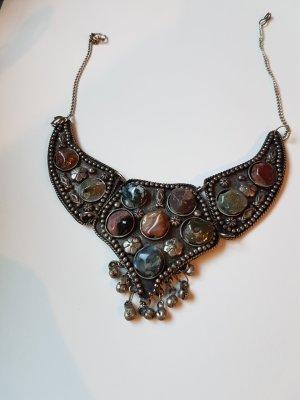 Silbernes Collier mit echt Steinen Neu und ungetragen