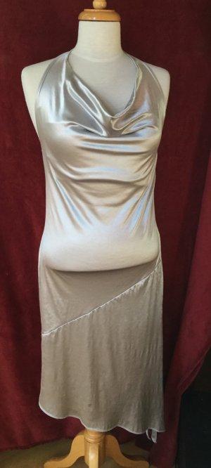 silbernes Kleid, Neckholder, asymetrischer Schnitt