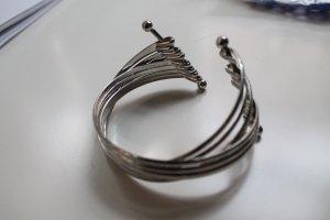 Silbernes Spangenarmband