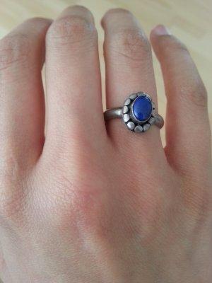 Silberring mit blauem Stein