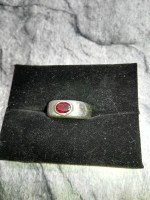 Silberring mit Granatstein, echt Silber, handgefasst
