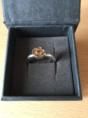 Silberring mit orangefarbenen Zirkonia