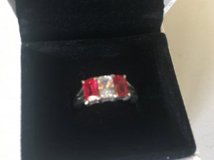 Silberring mit rot/weißen Zirkonia