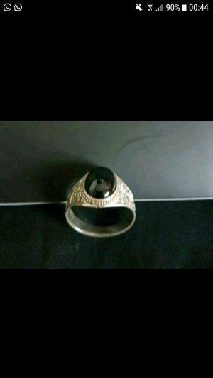 Silberring mit schwarzen Stein