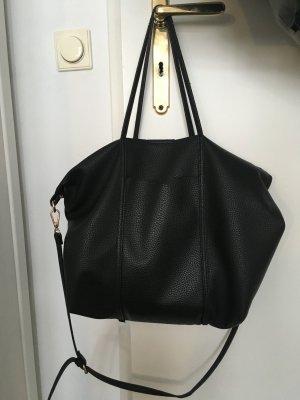 Simple schwarze Handtasche