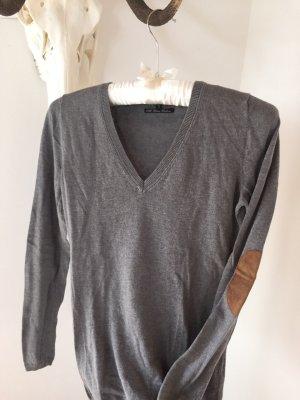 simpler grauer V-Ausschnitt Pullover