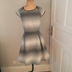 Sinequanone Kleid aktuelle Kollektion Gr. 38 top Zustand