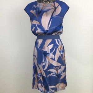 Sisley - leichtes Kleid mit schönen Blumenmuster