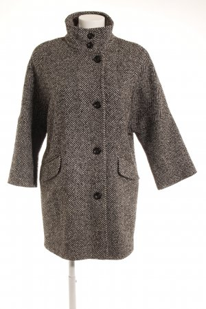 Sisley Oversized Mantel schwarz-weiß Zackenmuster Casual-Look