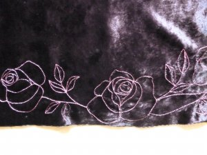 Sisley Samtrock lila mit Stickerei, 36/38