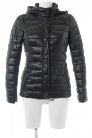 Sisley Steppjacke schwarz Glanz-Optik