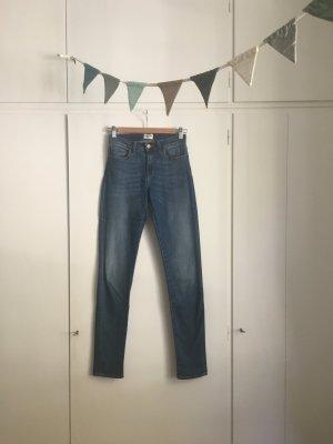 Sissy Boy | Skinny Jeans in schönem Blau Midrise Gr. 27/32