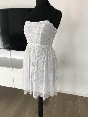 Sitzen Kleid