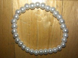 Six Perlenarmband weiß Permutt neu