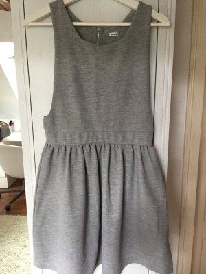 Skater Kleid in grau sehr schön für kältere Tage