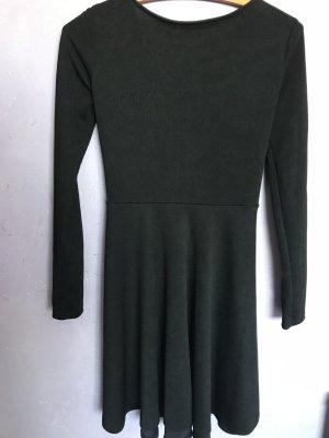 Skaterkleid in schwarz mit rücken Dekolleté