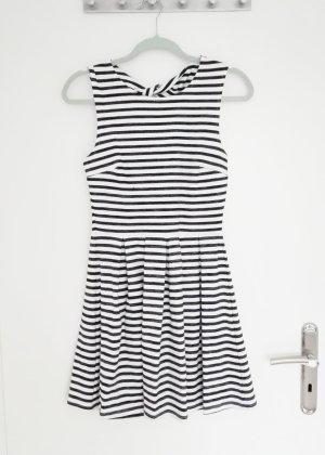 Skaterkleid Streifen schwarz weiß mit Rückenausschnitt Größe S Fishbone French