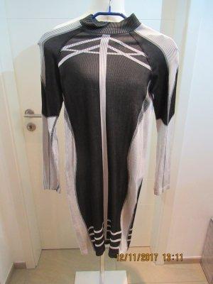 Skaterkleid von H&M in schwarz weiss Stretch Minikleid Homewear Loungewear